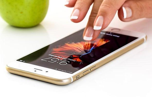 iphone user lock screen