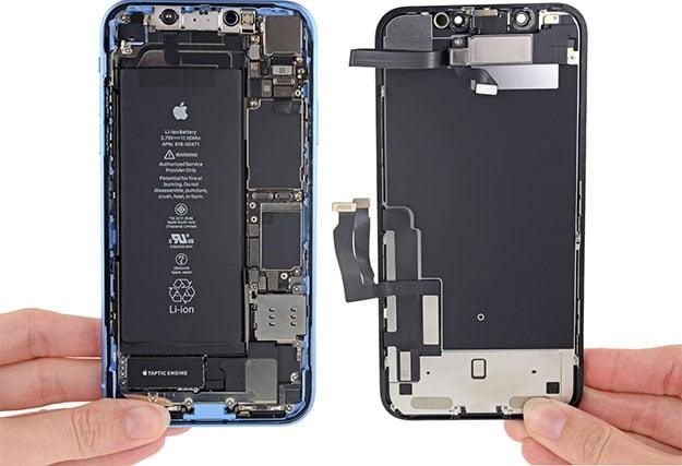iPhone XR Open
