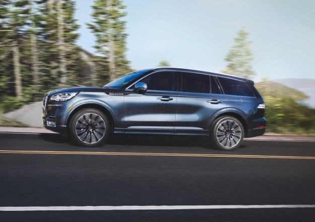 2020 lincoln aviator 5