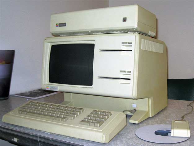 Fully Functional Apple Lisa 1 Computer Lands On Ebay With