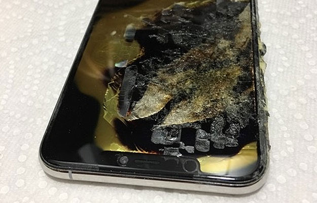 An iPhone XS Max Lit Someone's Pants On Fire
