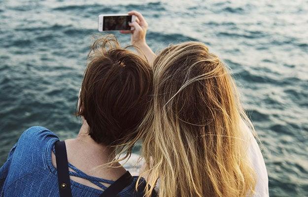 selfie pair
