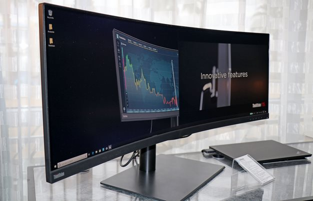434 inch Lenovo Curved display 144hz 3840x1200