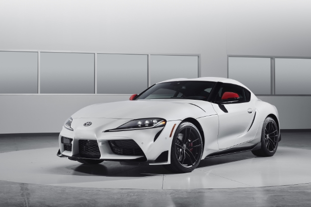 2020 Toyota Supra Gets Official Unveil With 335 Hp 0 60 In 4 1 Seconds