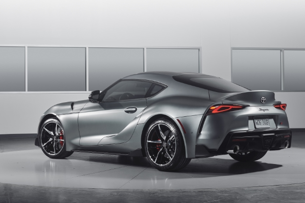 2020 Toyota Supra Gets Official Unveil With 335 Hp 0 60 In 4 1