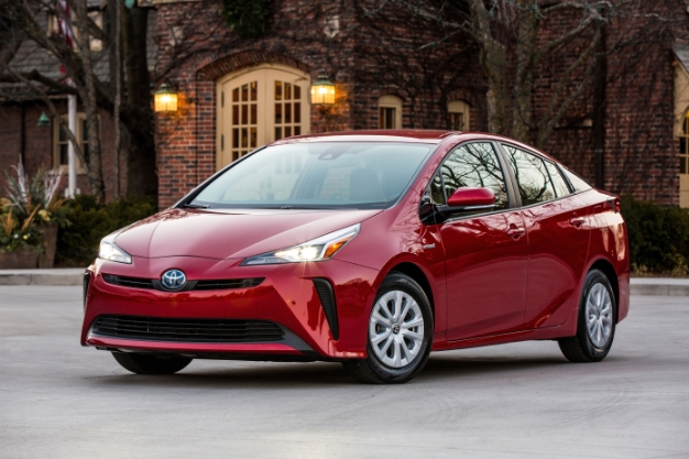 Toyota Admits Tesla Model 3 Is Killing Prius S But Doesn T See Growth In Ev Sector