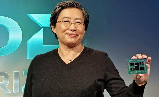 AMD Lisa Su with EPYC Zen 2 64 Core CPU