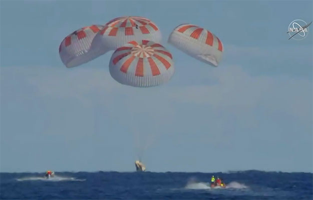 SpaceX capsule on big mission to return to Earth