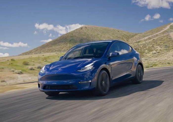 Tesla Model Y Revealed: 0-60 in 3 5 Seconds, 300-Mile Range
