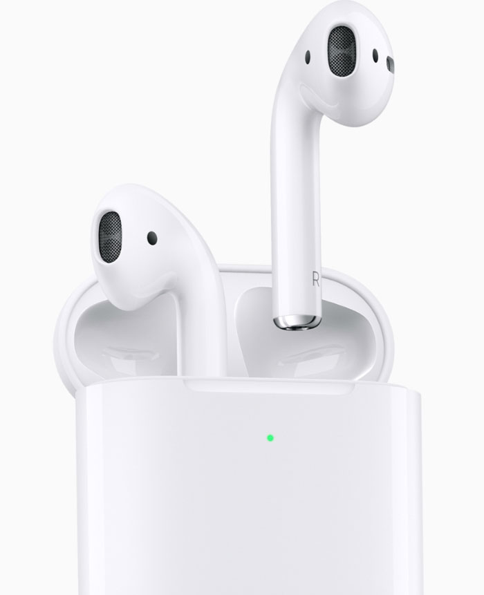 Apple Airpods 700px