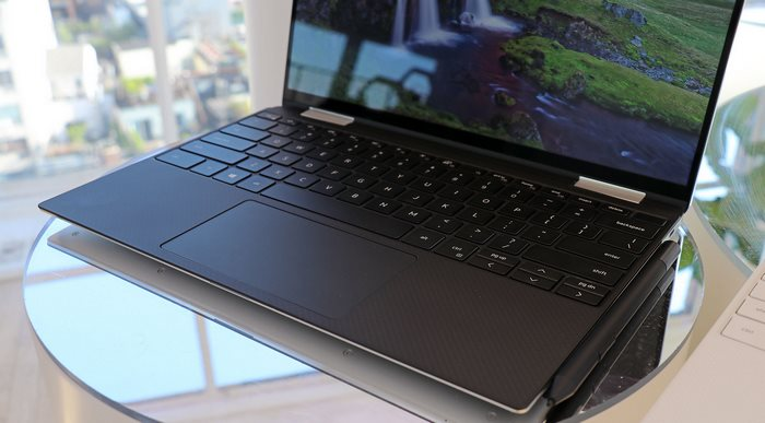 xps 13 keyboard and pen close
