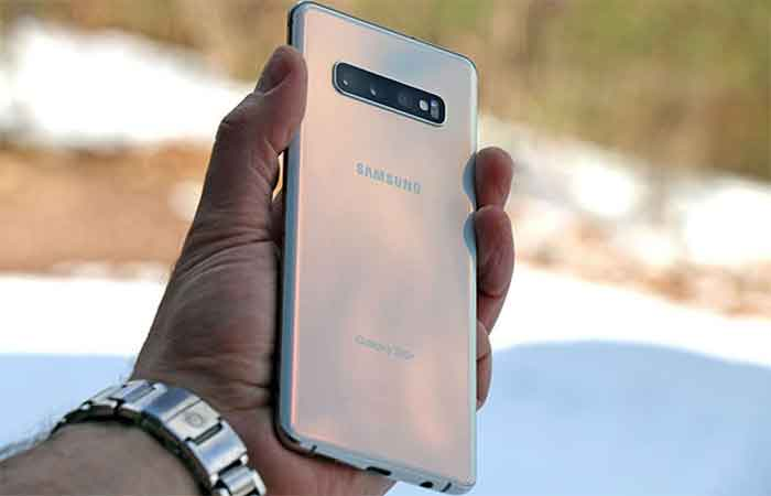 samsung s10 outside