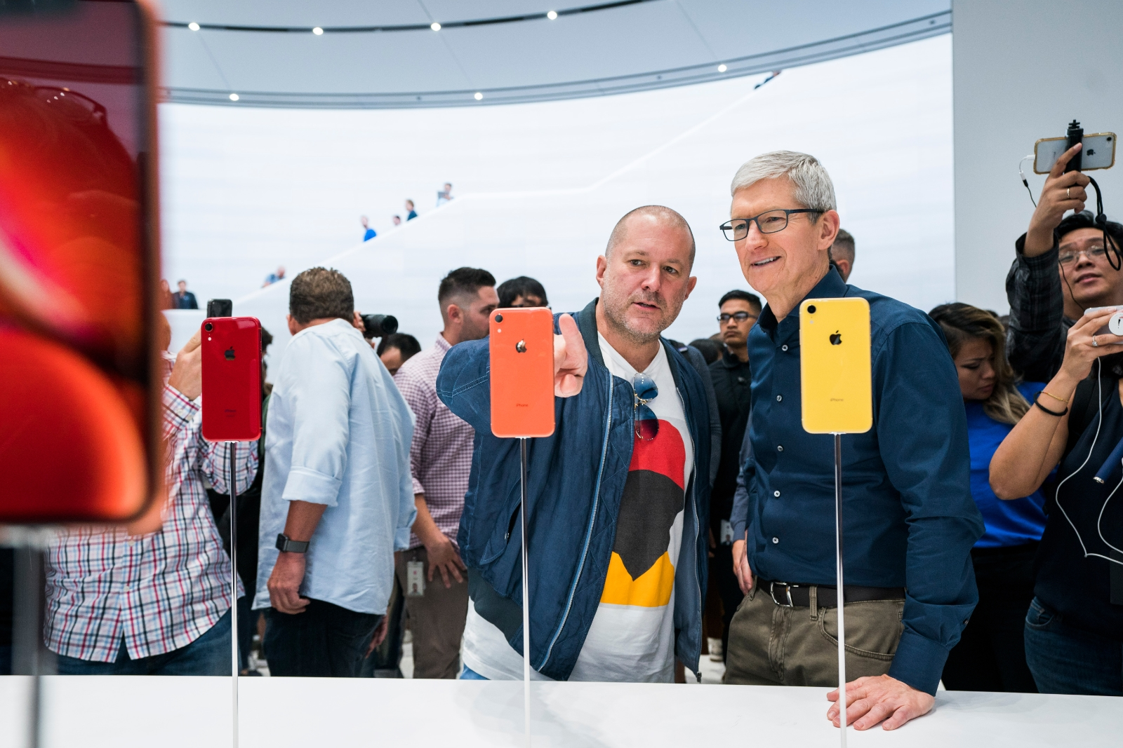 Famed Apple Designer Jony Ive Leaves Company After Nearly 30 Years