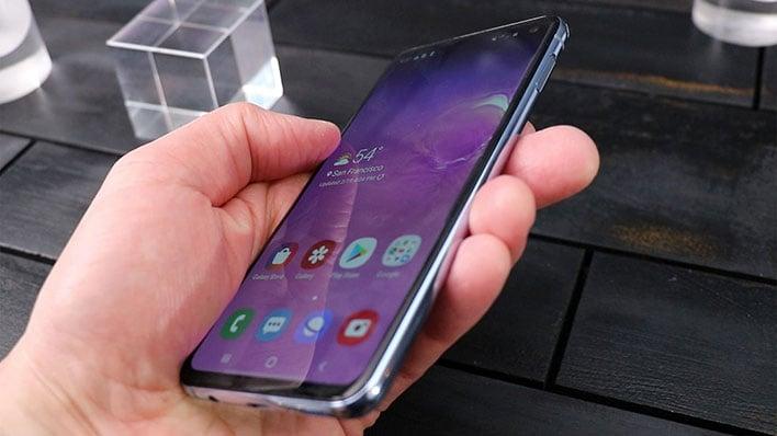 Galaxy S10E side edge hand