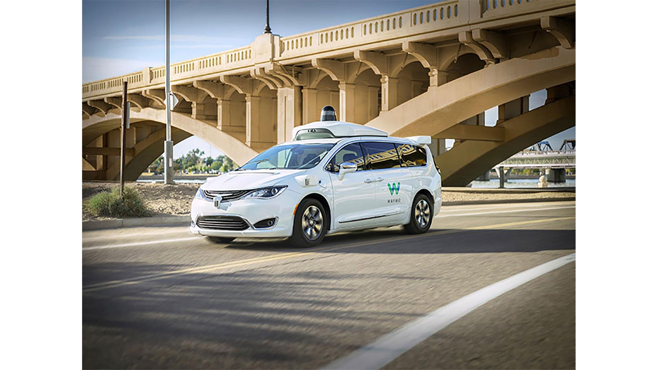 Watch As Completely Autonomous Waymo Cars Drive Through Arizona Streets