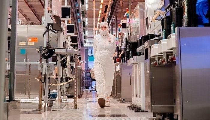 Intel Engineer