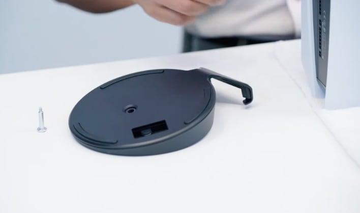 Microsoft Swiftly Mocks Sony S Ps5 Teardown Video And Elaborate Horizontal Vertical Stand Hothardware
