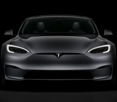 Refreshed Tesla Model S Rumored With Radeon Navi 23 GPU, PS5 Competitive Performance