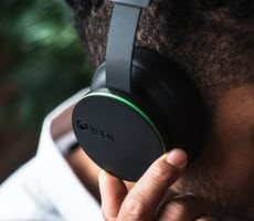 Microsoft's Next-Gen Xbox Wireless Headset Launching March 16 For PC And Xbox Consoles