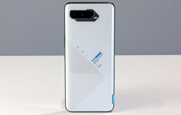 asus horn phone 5 stands alone in the back