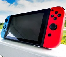Qualcomm Reportedly Developing Nintendo Switch-Like Snapdragon Android Gaming Handheld
