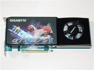 Gigabyte GTX 275 - Front