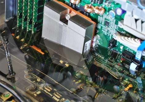 Intel submerged servers