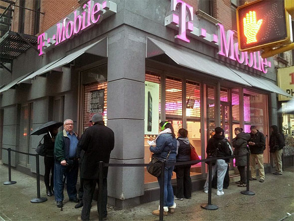 Lines Sighted at T-Mobile Retail Stores For $99 iPhone 5 | HotHardware