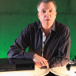 Microsoft's Major Nelson Unboxes Xbox One Retail Bundle