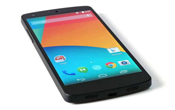 Google Nexus 5 Super Fast Android Phone Challenges iPhone ...